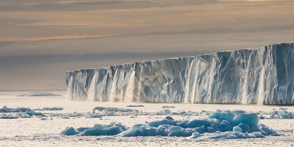 Noruega - Glaciar en el archipiélago de Svalbard